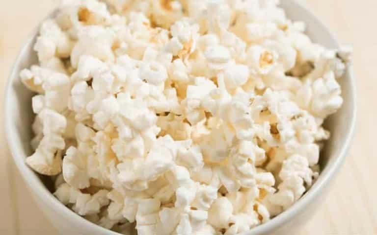 ¿Comer palomitas de maíz es malo para usted? Un análisis comprobado por hechos